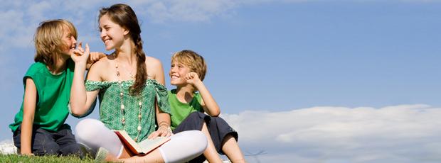 Aupair dẫn các em nhỏ đi dã ngoại vào cuối tuần